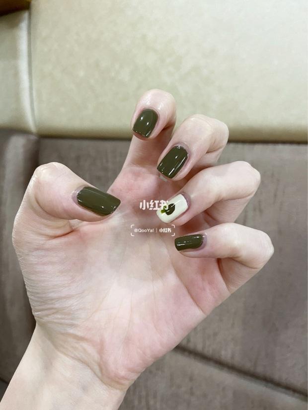 12 màu nail xinh xắn lại tôn da, rất phù hợp để chị em làm đỏm cho đôi tay mùa Hè - Ảnh 8.