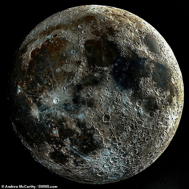 Ấn tượng bức ảnh chụp bề mặt của mặt trăng rõ nhất thế giới, từng miệng núi lửa hiện lên chi tiết hơn bao giờ hết - Ảnh 1.