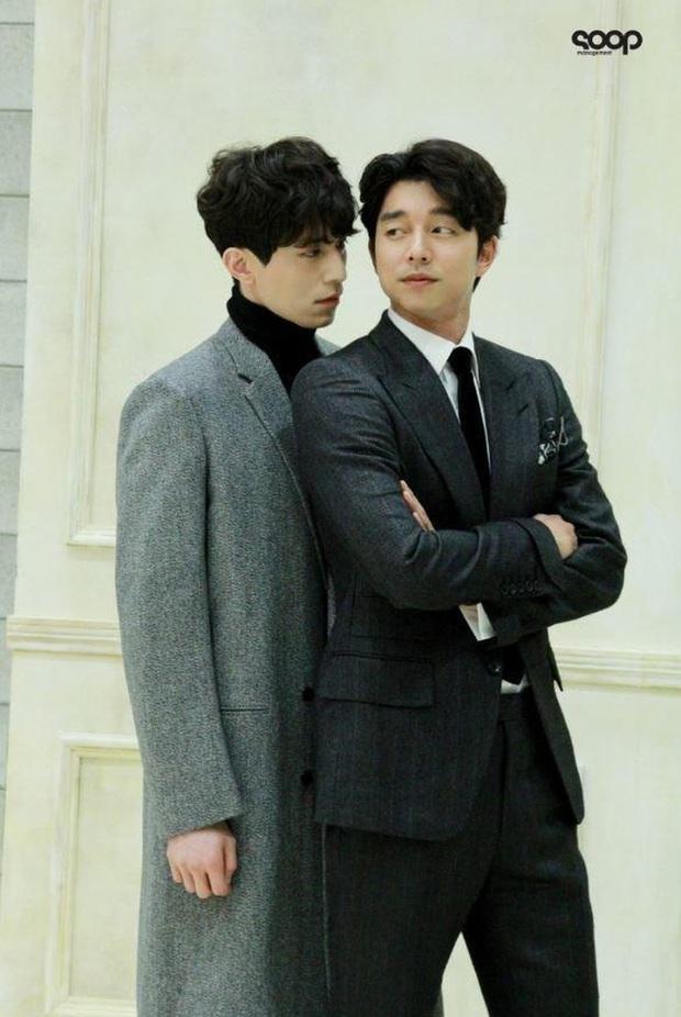 3 lần Yêu Tinh Gong Yoo và Thần Chết Lee Dong Wook mượn xe cà phê để khoe ân ái, khi nào comeout đây hai anh? - Ảnh 1.