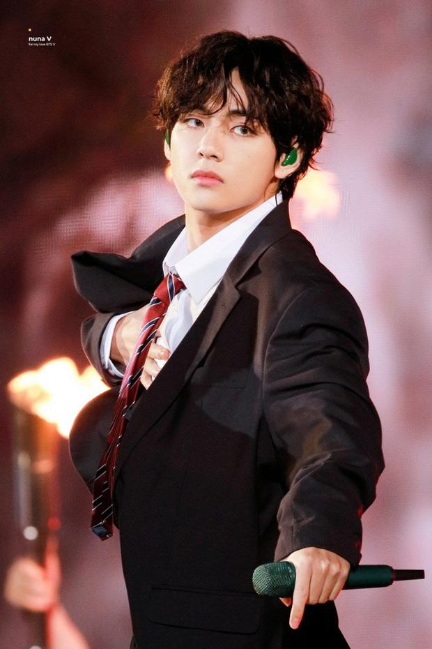 Tổ hợp idol Kpop cùng tên: Nam idol tên y hệt V (BTS) nhưng khác 1 trời 1 vực, nhóm Jisoo - Sooyoung gây choáng - Ảnh 2.