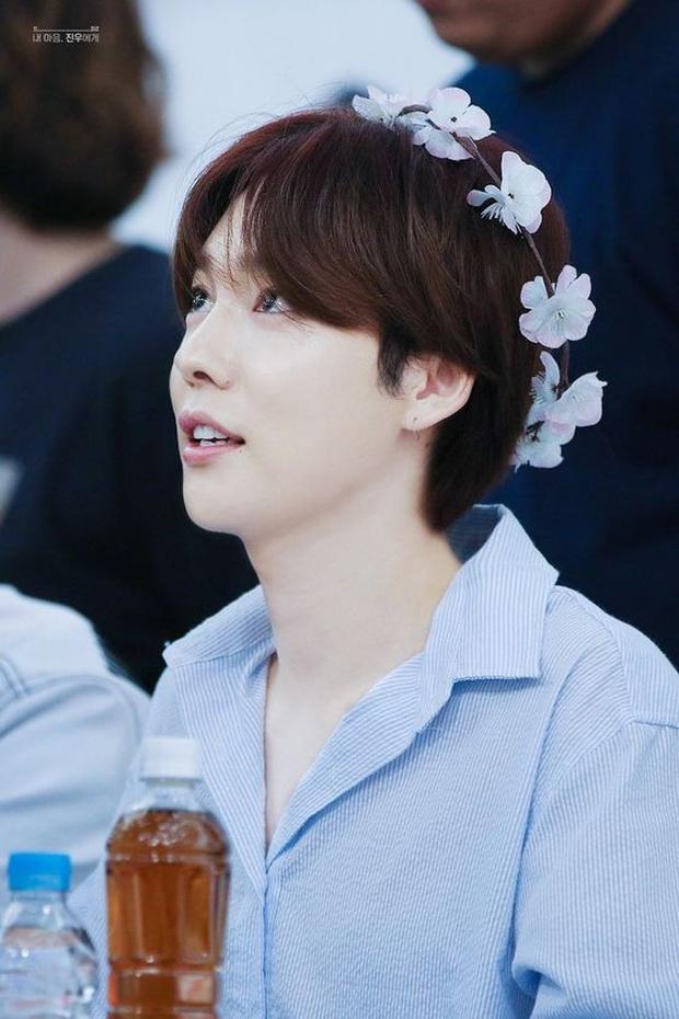 Tổ hợp idol Kpop cùng tên: Nam idol tên y hệt V (BTS) nhưng khác 1 trời 1 vực, nhóm Jisoo - Sooyoung gây choáng - Ảnh 26.