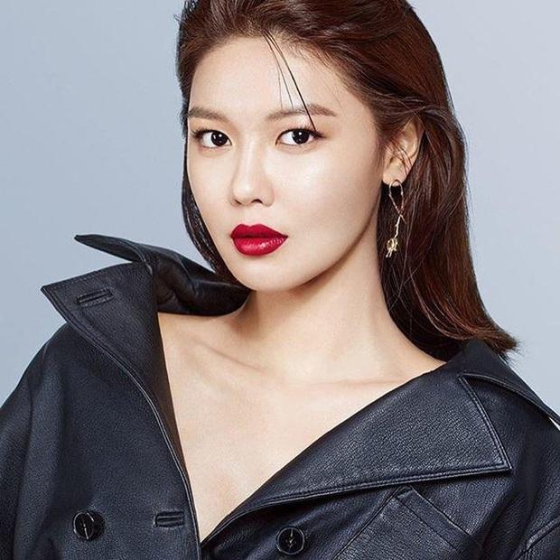 Tổ hợp idol Kpop cùng tên: Nam idol tên y hệt V (BTS) nhưng khác 1 trời 1 vực, nhóm Jisoo - Sooyoung gây choáng - Ảnh 30.