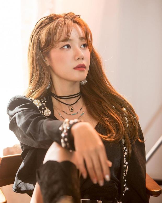 Tổ hợp idol Kpop cùng tên: Nam idol tên y hệt V (BTS) nhưng khác 1 trời 1 vực, nhóm Jisoo - Sooyoung gây choáng - Ảnh 10.