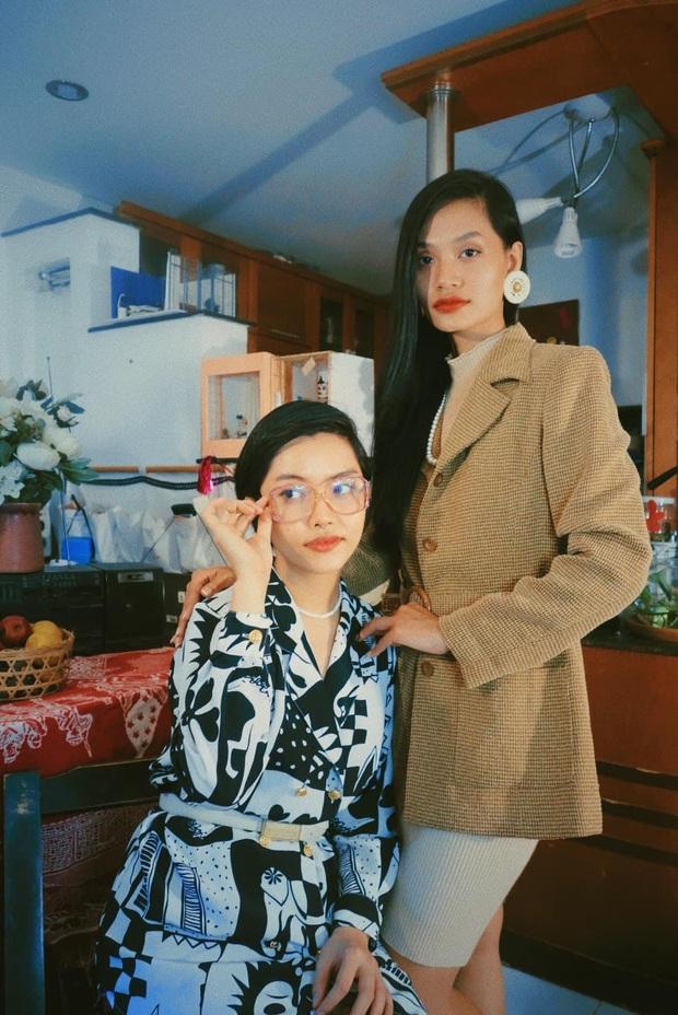 Đôi bạn thân rủ nhau diện đồ chuẩn phong cách TVB, bảo bối là căn phòng 40m2 chứa đầy quần áo secondhand - Ảnh 6.
