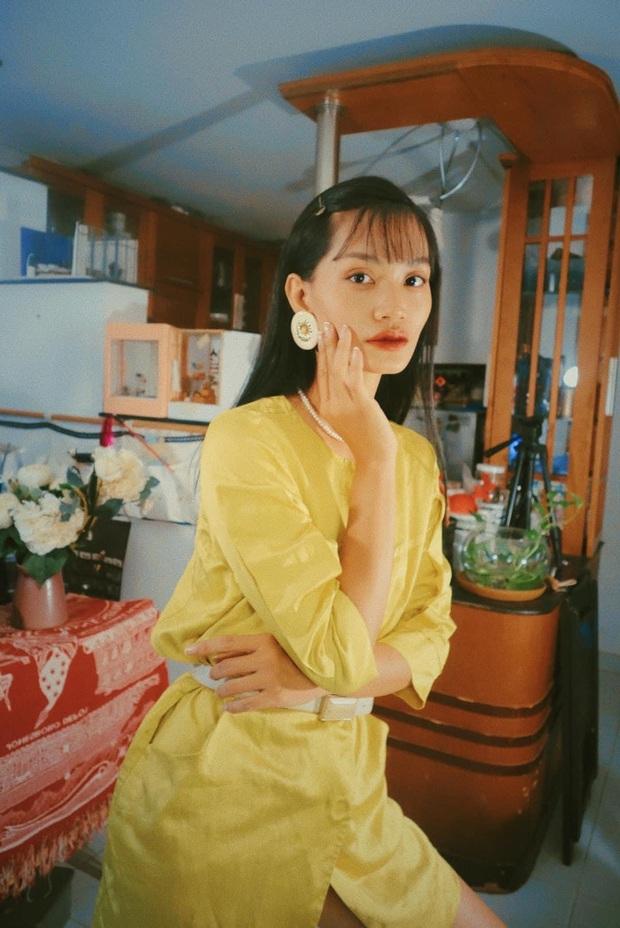 Đôi bạn thân rủ nhau diện đồ chuẩn phong cách TVB, bảo bối là căn phòng 40m2 chứa đầy quần áo secondhand - Ảnh 3.