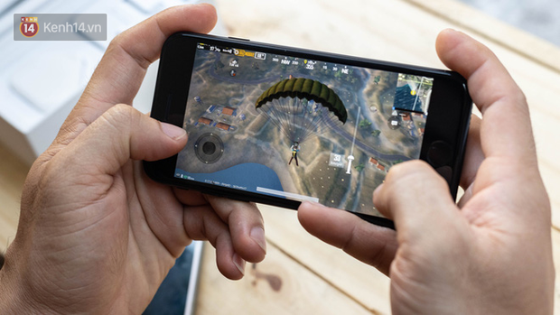 iPhone SE 2020: Cấu hình cao, giá vừa tầm nhưng chưa phải là món hời cho game thủ mobile - Ảnh 7.