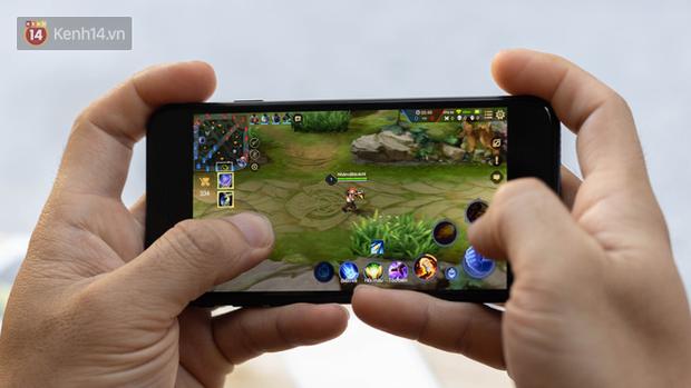 iPhone SE 2020: Cấu hình cao, giá vừa tầm nhưng chưa phải là món hời cho game thủ mobile - Ảnh 8.
