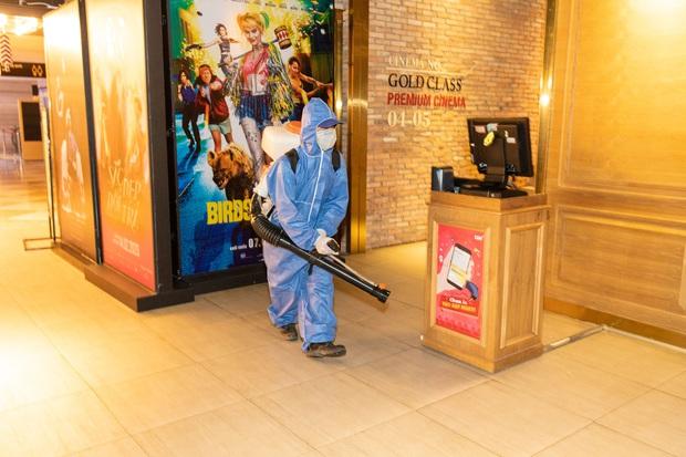 Hai tỉnh thành đầu tiên của Việt Nam công bố lịch mở cửa rạp chiếu phim hậu giãn cách xã hội - Ảnh 4.