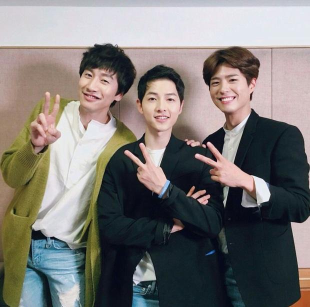 Quan hệ kỳ lạ của Song Joong Ki - Park Bo Gum: Như anh em ruột khóc vì nhau, dự cả đám cưới nhưng khác hẳn sau vụ ly dị? - Ảnh 4.