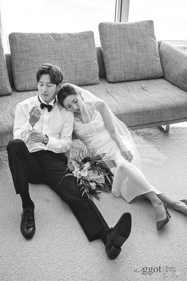 Giữa lúc Kim Tae Hee dính bê bối trốn thuế, em trai lên top Naver vì khoe cuộc sống tân hôn sang chảnh - Ảnh 9.
