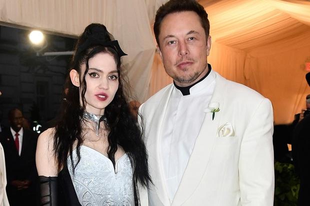 Tỷ phú Elon Musk đặt tên con đầu lòng là X Æ A-12 Musk - Ảnh 1.