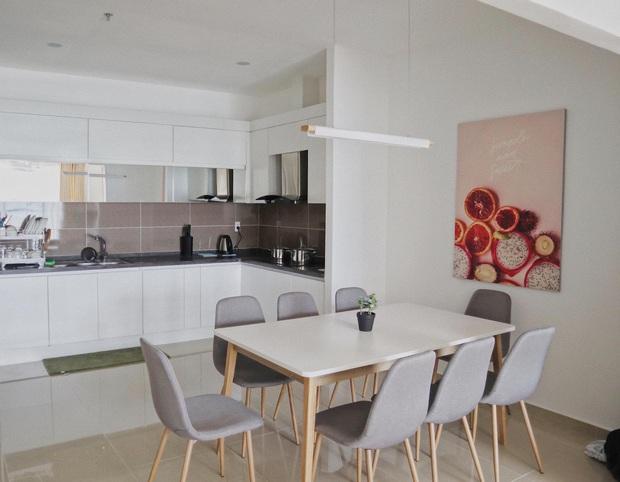 Giám đốc trẻ tậu chung cư vẫn về ở với bố mẹ trong phòng chỉ 20m2: Nhà nào cũng xịn, tất cả nhờ biết hết chiêu mua nội thất rẻ nửa giá - Ảnh 4.