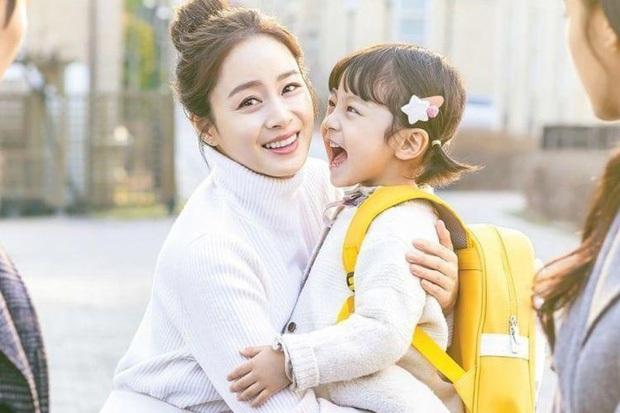 Sự nghiệp 4 ngôi sao điện ảnh bị sờ gáy ở scandal trốn thuế: Đời tư sạch như Kim Tae Hee cũng đến lúc phải chao đảo - Ảnh 13.