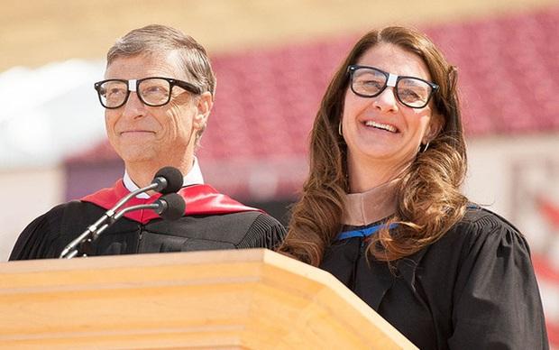 Thư gửi sinh viên tốt nghiệp năm 2020 của vợ chồng tỷ phú Bill Gates - Ảnh 1.