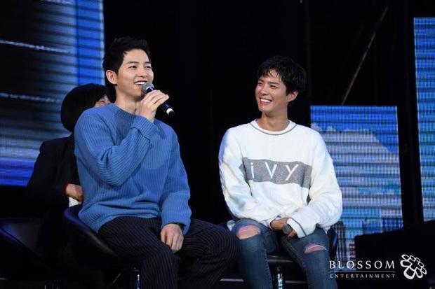 Quan hệ kỳ lạ của Song Joong Ki - Park Bo Gum: Như anh em ruột khóc vì nhau, dự cả đám cưới nhưng khác hẳn sau vụ ly dị? - Ảnh 21.