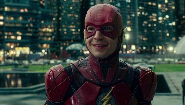 Sau scandal hành hung bóp cổ fan, loạt phim siêu anh hùng The Flash có nguy cơ bị hủy sản xuất - Ảnh 3.