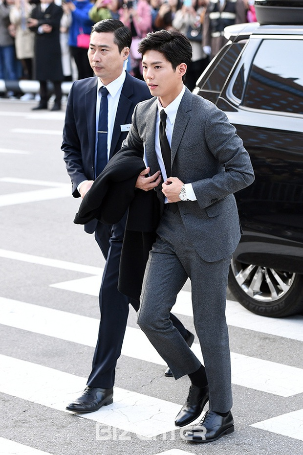 Quan hệ kỳ lạ của Song Joong Ki - Park Bo Gum: Như anh em ruột khóc vì nhau, dự cả đám cưới nhưng khác hẳn sau vụ ly dị? - Ảnh 16.