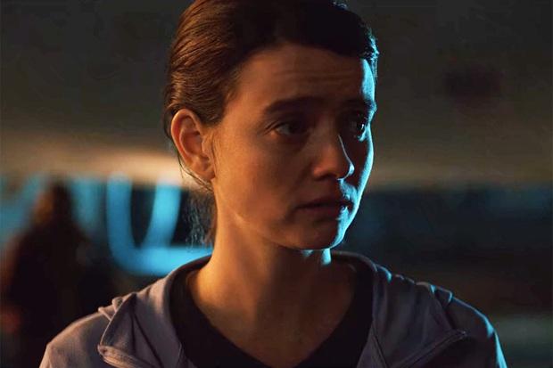 INTO THE NIGHT: Ngợp thở với bí mật kinh hoàng về mặt trời nhưng tiếc quá phim đầy rẫy lỗ hổng khoa học - Ảnh 10.