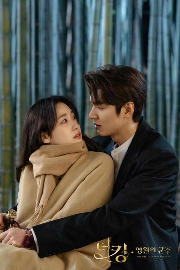 Bom tấn của Song Joong Ki chưa ra rạp đã được dự đoán sẽ flop, Quân Vương Bất Diệt Lee Min Ho bất ngờ cũng bị réo tên - Ảnh 4.