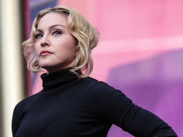 Showbiz thế giới đón nhận tin nóng: Madonna xác nhận nhiễm COVID-19, hé lộ lịch trình cụ thể, đóng góp 25 tỷ chống dịch - Ảnh 4.