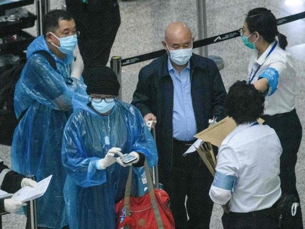 Ai đến Hong Kong cũng đều phải đeo vòng công nghệ này để kiểm soát dịch Covid-19, nếu vi phạm sẽ bị phạt tù 6 tháng - Ảnh 2.