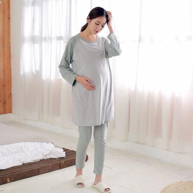 Bác sĩ BV Phụ sản Trung ương: Gần tuổi 30, phụ nữ chỉ có 20% cơ hội thụ thai mỗi tháng, 20-29 tuổi là giai đoạn lý tưởng nhất để mang thai - Ảnh 4.