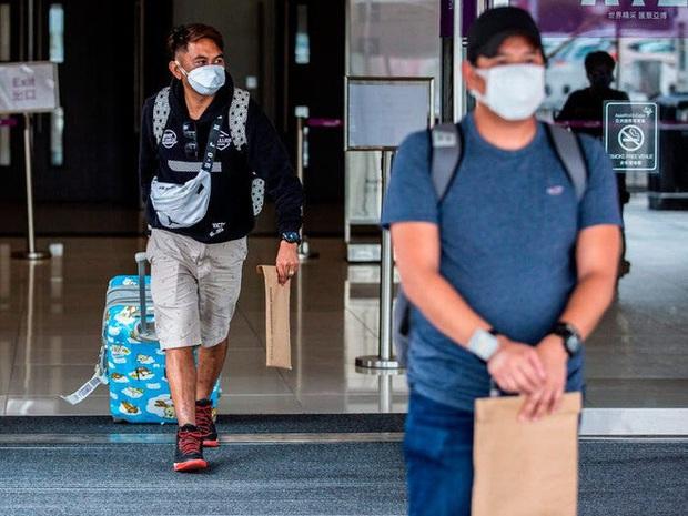 Ai đến Hong Kong cũng đều phải đeo vòng công nghệ này để kiểm soát dịch Covid-19, nếu vi phạm sẽ bị phạt tù 6 tháng - Ảnh 12.