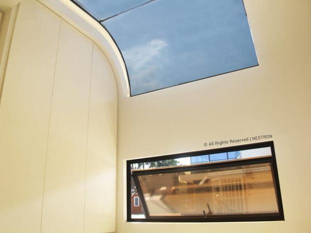 Choáng ngợp với nội thất trong căn nhà thông minh dành cho 4 người: Thiết kế như tàu vũ trụ, nhìn qua là muốn ở liền - Ảnh 4.
