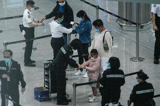 Ai đến Hong Kong cũng đều phải đeo vòng công nghệ này để kiểm soát dịch Covid-19, nếu vi phạm sẽ bị phạt tù 6 tháng - Ảnh 7.