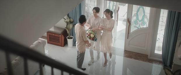 Đông Nhi kể lại câu chuyện đời mình từ khi sinh ra, đến khi trưởng thành và làm mẹ trong MV mới khiến ai xem cũng rưng rưng nước mắt - Ảnh 2.