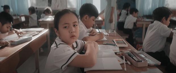 Đông Nhi kể lại câu chuyện đời mình từ khi sinh ra, đến khi trưởng thành và làm mẹ trong MV mới khiến ai xem cũng rưng rưng nước mắt - Ảnh 5.