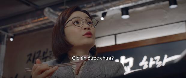 3 khoảnh khắc ăn điểm nhất tập 9 Hospital Playlist: Thánh tấu hài Ik Jun vẫn rút cạn nước mắt thiên hạ, hội U40 lại tương tàn vì miếng ăn - Ảnh 6.