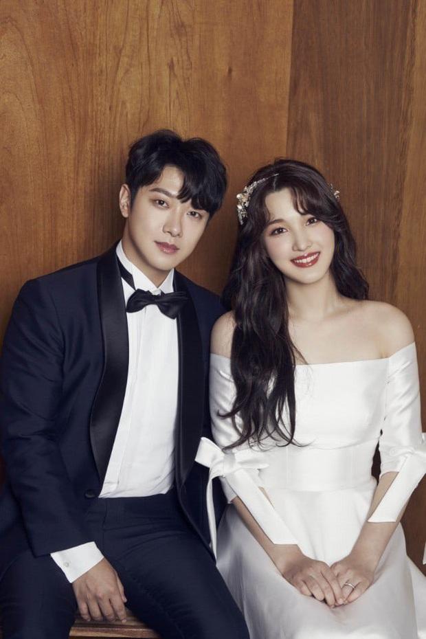 Chuyện nữ idol kết hôn sớm, sinh con ở tuổi 21: Bỏ cả sự nghiệp, mặc kẹ mác cưới chạy bầu vì gia đình và happy ending - Ảnh 3.
