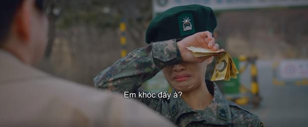 3 khoảnh khắc ăn điểm nhất tập 9 Hospital Playlist: Thánh tấu hài Ik Jun vẫn rút cạn nước mắt thiên hạ, hội U40 lại tương tàn vì miếng ăn - Ảnh 9.