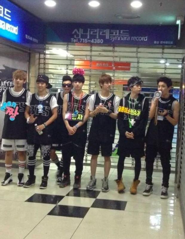 BTS từng có fanmeeting 32 người tham dự, GFRIEND bán được đúng 500 album nhưng giờ cùng boygroup nhà CUBE đổi đời ngoạn mục khiến fan xúc động - Ảnh 9.