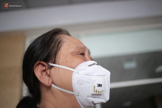Con dâu của bệnh nhân 161 được công bố khỏi bệnh: Tôi đã cố gắng thật nhiều để được về nhà, như thế các bác sỹ cũng được về nhà - Ảnh 2.