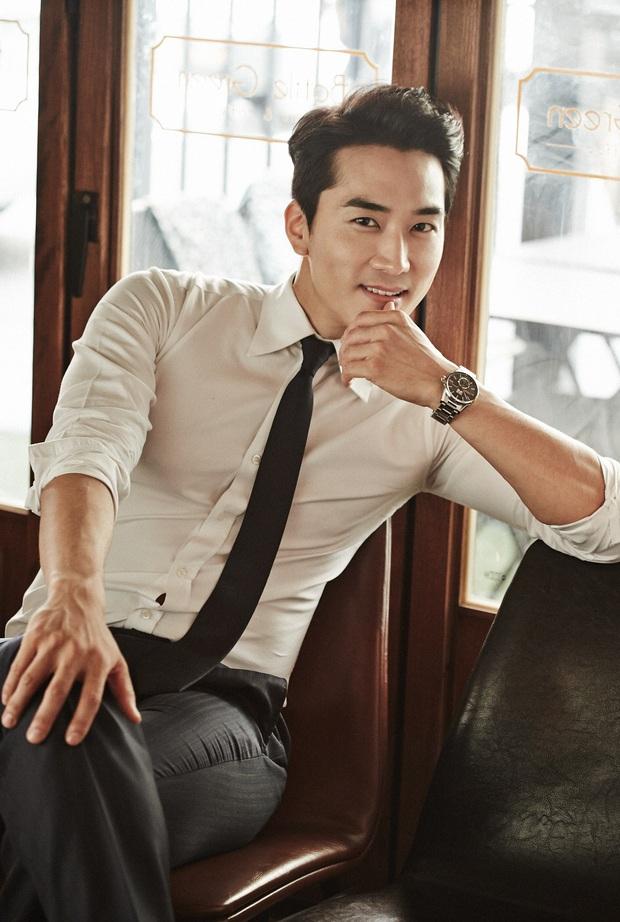 Bức ảnh gây lú nhất MXH Hàn-Việt hôm nay: Bố ruột Song Seung Hun đẹp cực phẩm, nhưng sao giống Hyun Bin thế này? - Ảnh 7.