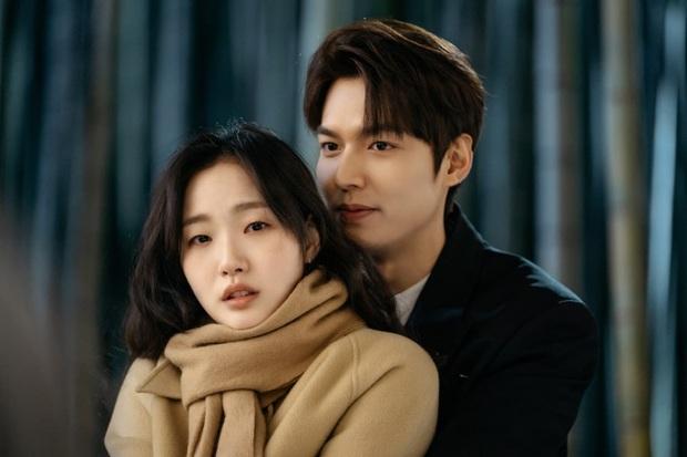 Bức ảnh đang gây nổ MXH: Ngoài mẹ ruột, đây là người phụ nữ đầu tiên Lee Min Ho khoe ảnh lên Instagram, hẹn hò đi chờ chi! - Ảnh 5.
