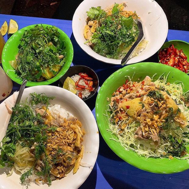 Phở Hà Nội nổi tiếng thì ai cũng biết, nhưng chỉ có 6 quán từng được lên báo nước ngoài, khách Tây đến thử đông nghịt - Ảnh 13.