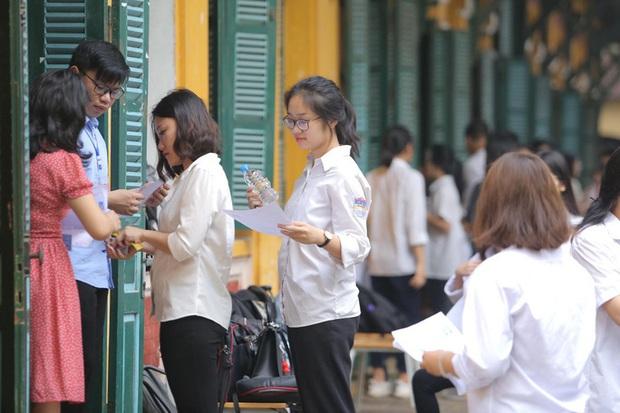 Bộ GD-ĐT nói gì về quy chế tuyển sinh gây khó cho các trường đại học muốn thi riêng?  - Ảnh 2.