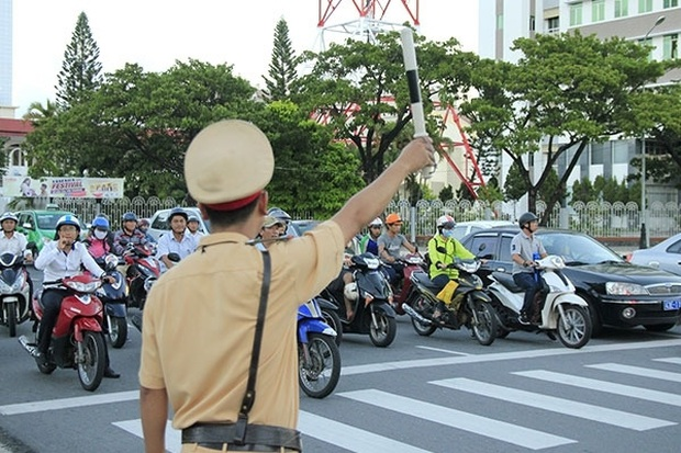 Dự thảo Luật Giao thông đường bộ (sửa đổi): Không được vượt đèn xanh khi nút giao bị ùn tắc - Ảnh 1.
