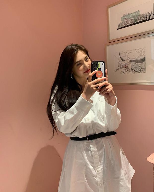 Ăn diện thời trang                               như Red Velvet tưởng khó mà dễ bất ngờ, chị em chỉ cần sắm 5 items ai mặc cũng đẹp này                               thôi - Ảnh 13.