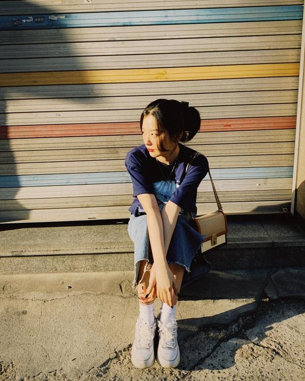 Ăn diện thời trang như Red                       Velvet tưởng khó mà dễ bất ngờ, chị em chỉ cần sắm 5 items ai mặc cũng đẹp này thôi - Ảnh 9.