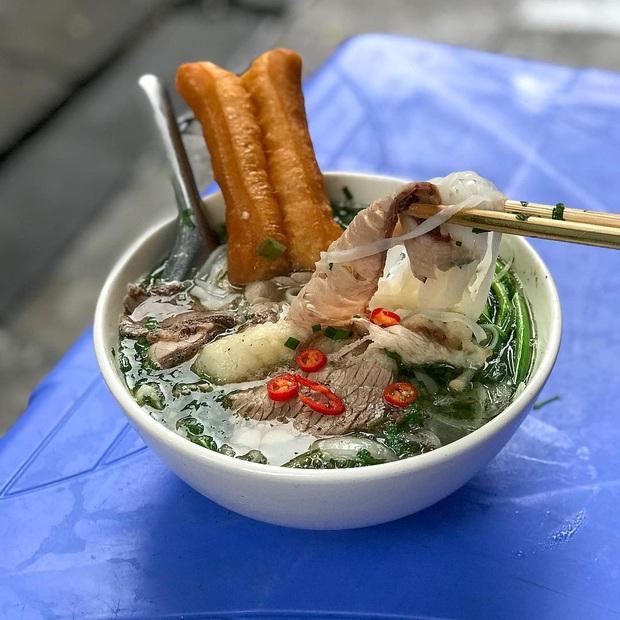 Phở Hà Nội nổi tiếng thì ai cũng biết, nhưng chỉ có 6 quán từng được lên báo nước ngoài, khách Tây đến thử đông nghịt - Ảnh 11.