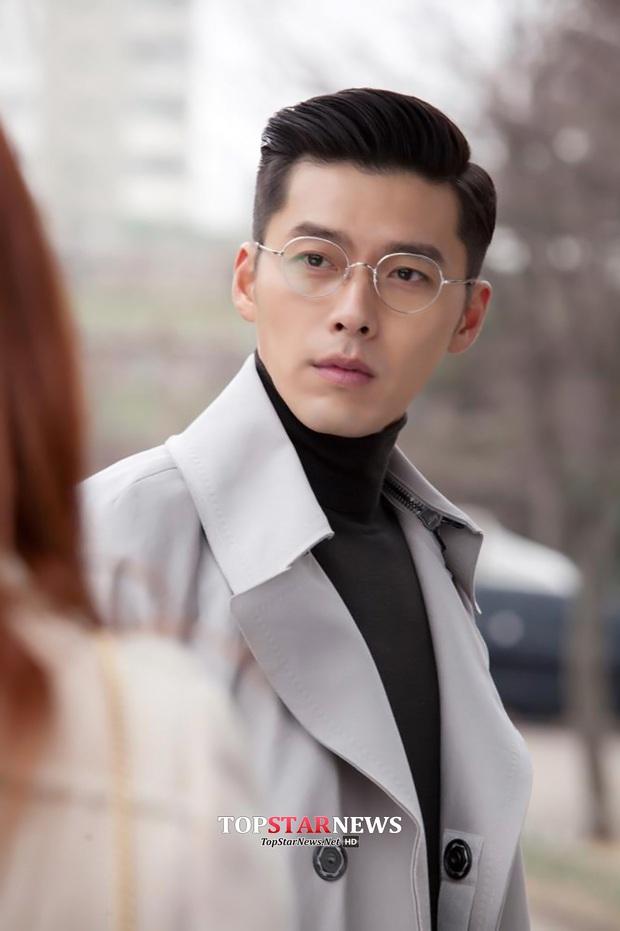 Bức ảnh gây lú nhất MXH Hàn-Việt hôm nay: Bố ruột Song Seung Hun đẹp cực phẩm, nhưng sao giống Hyun Bin thế này? - Ảnh 4.