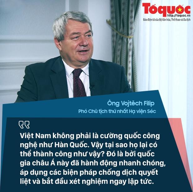 COVID-19: Quan chức Séc nói Việt Nam đạt được thành công mà nhiều nước phát triển chỉ có thể mơ ước - Ảnh 2.