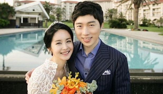 Đám cưới mỹ nhân Thư ký Kim và huyền thoại game thủ leo thẳng lên top Naver, tất cả nhờ chi tiết về Yoo Jae Suk - Ảnh 9.