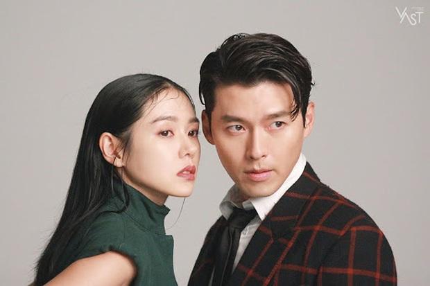 Bức ảnh gây lú nhất MXH Hàn-Việt hôm nay: Bố ruột Song Seung Hun đẹp cực phẩm, nhưng sao giống Hyun Bin thế này? - Ảnh 9.