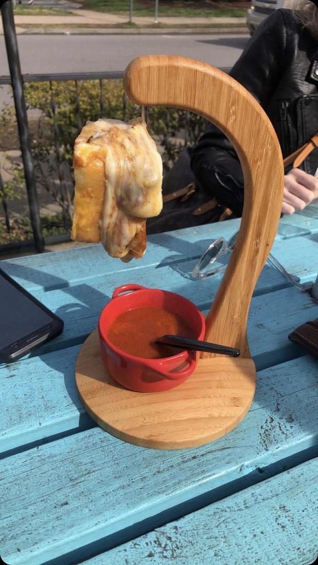 """Muôn kiểu trình bày món ăn như đến từ hành tinh khác của các nhà hàng sang trọng, vừa mang ra bàn đã khiến khách """"bỏ của chạy lấy người"""" - Ảnh 21."""