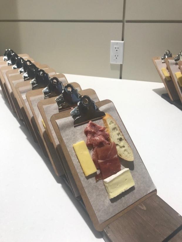 """Muôn kiểu trình bày món ăn như đến từ hành tinh khác của các nhà hàng sang trọng, vừa mang ra bàn đã khiến khách """"bỏ của chạy lấy người"""" - Ảnh 5."""